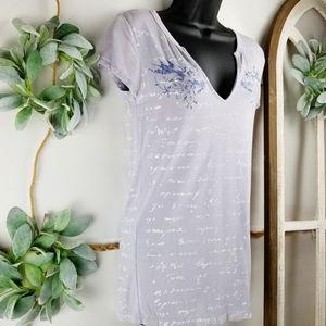 Adiktd V-neck T-shirt - Size Large